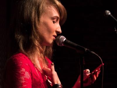 Wortlust Poetry Slam mit Hanna Flieder (Foto Felix Kempter)